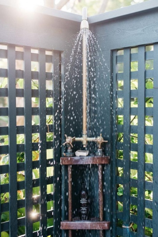 11 Outdoor Showers You Could Recreate In Your Backyard
