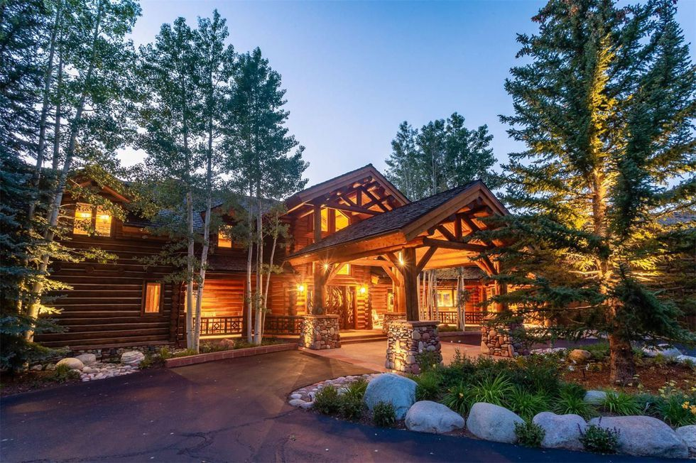 10 Gorgeous Homes That Get Luxe Mountain Living Right