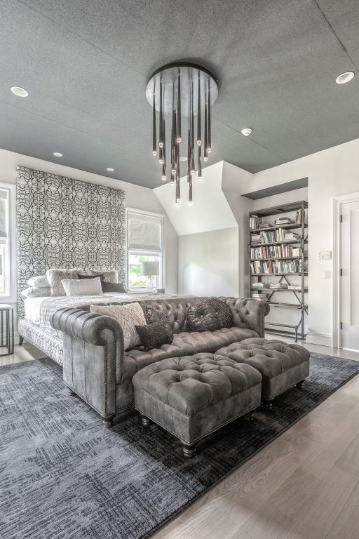 11 Showstopping Bedrooms with Pendants and Chandeliers